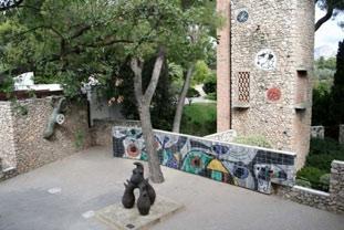 Labyrinthe Miró : le Lézard, 1963, Céramique murale, 1968, la Tour avec Plaque murale I, II et III, 1963, Oiseau, 1968